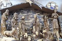 V blanenském dřevěném kostelíku mají vyřezávaný betlém z města Betléma.