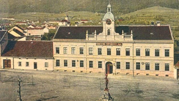 Radnice v Blansku v roce 1907.