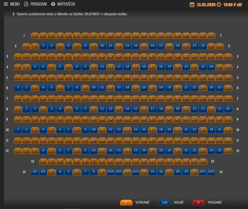 V hledišti blanenského kina návštěvníci využijí jen každou druhou řadu, prázdná místa zůstanou i mezi obsazenými sedadly.