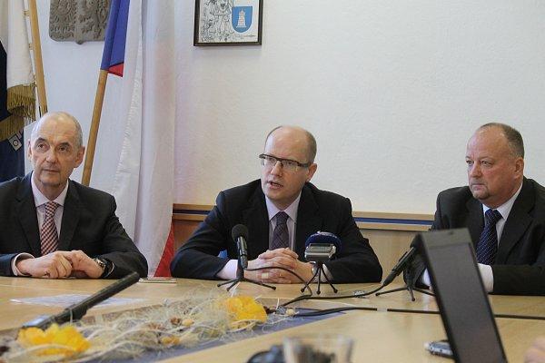 Setkání snovináři předcházelo premiérovo jednání svedením Blanska.