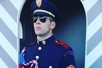 Jan Novotný z Blanska slouží u Hradní stráže.