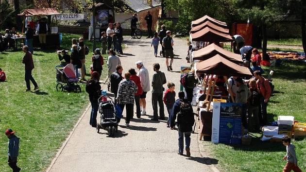 Den Země v blanenském zámeckém parku 21.dubna 2007