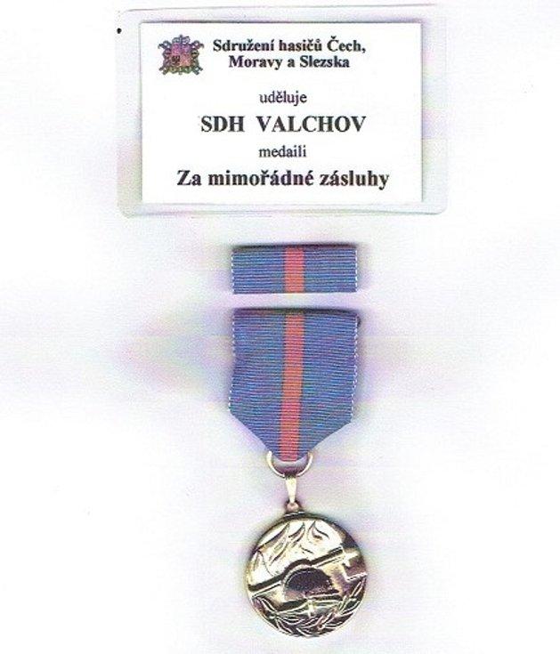 Medaile Za mimořádné zásluhy.