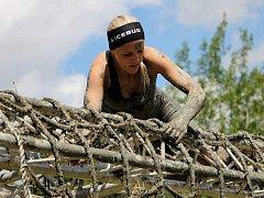 Dvaadvacetiletá Lucie Alexová miluje extrémní běhy typu Spartan race. Trať závodu se snaží uběhnout co nejrychleji a přitom musí překonat řadu překážek včetně podlézání pod ostnatým drátem. Letos se kvalifikovala na ME, z osobních důvodů tam ale neodjela.