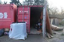 Ze stavebního kontejneru v Lažanech opět zmizelo nářadí.