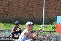 Děti si zkusily disciplíny z hasičských závodů.