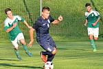 V devátém kole Moravskoslezské divize D zaznamenali fotbalisté Blanska (modrá) deváté vítězství.
