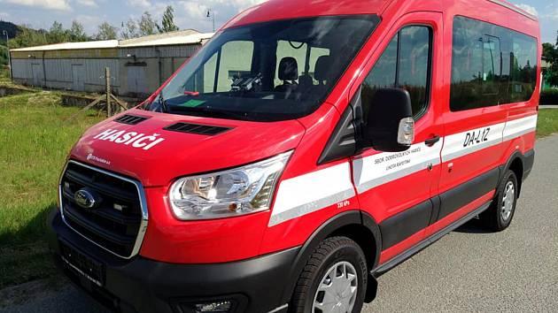 Nové vozidlo hasičů ze Lhoty Rapotiny.