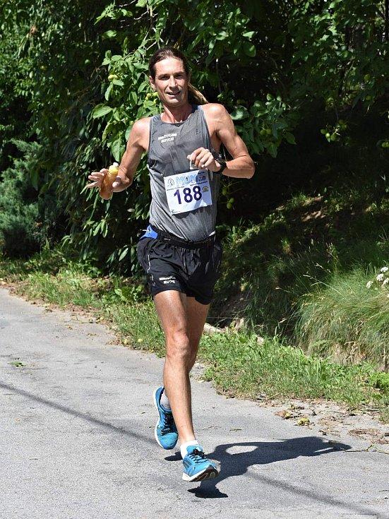 Už po dvanácté vyhrál Moravský ultramaraton, tedy sedm maratonských běhů v sedmi dnech, Brňan Daniel Orálek. Foto: mum.ultracau.cz