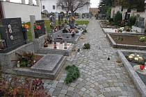 V tomto díle se vypravíme do Bořetic na Břeclavsku a také do obce Smrčná v okrese Jihlava. V Bořeticích je křížový kámen u zdi tamního kostela. Podle dobových pramenů připomíná tragickou událost z roku 1777.