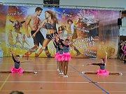 Před plnou sportovní halou v Letovicích předvedlo své umění na dvanáct stovek tanečnic, mažoretek a dalších soutěžících.