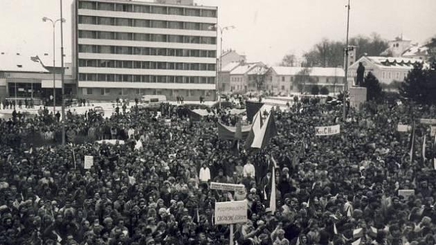 Generální stávka 27. listopadu 1989 v Blansku.