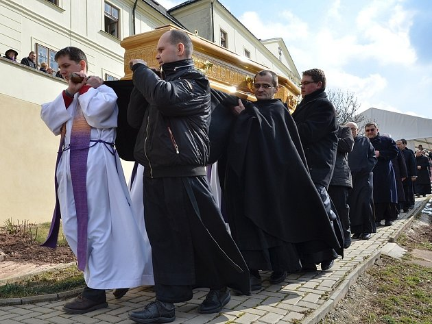 V sobotu se lidé v kostele svatého Václava v Letovicích naposledy rozloučili s převorem letovického konventu, milosrdným bratrem P. Stanislavem Jiřím Fialou.