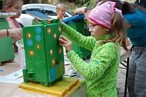 Pamětické děti ozdobily budky pro sýkorky.