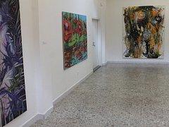 VZPOMÍNKA NA PROFESORA. Prostory Galerie města Blanska zaplnila výstava obrazů jednadvaceti autorů.
