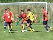 V úvodním utkání nového ročníku Moravskoslezské divize D remizoval FK Blansko (v červeném) se Slovanem Rosice 1:1.