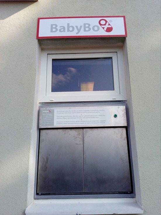 V areálu blanenské záchranné služby je od středy umístěný babybox. Slavnostní otevření schránky se uskuteční 8.března.