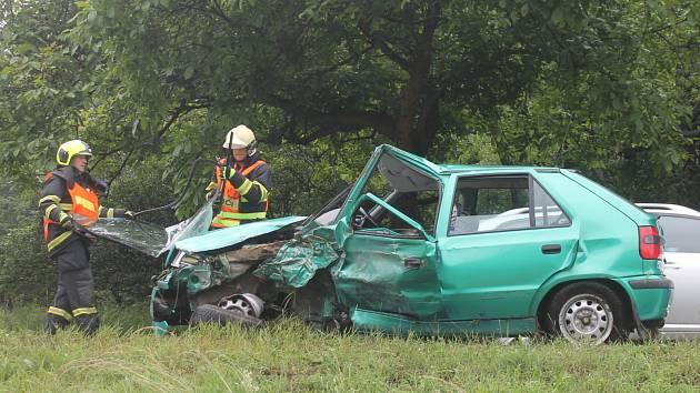Vážná dopravní nehoda zastavila tah I/43 za Černou Horou ve směru na Brno.