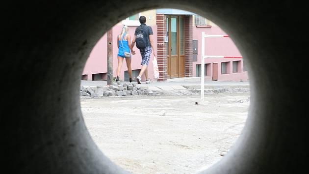 Na tři měsíce se uzavře část ulice Kapitána Jaroše v centru Boskovic. Kvůli výměně starého vodovodu, který je v havarijním stavu.
