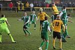 V utkání krajského přeboru fotbalistů Olympia Ráječko (ve žlutém) Tatran Rousínov 2:1.