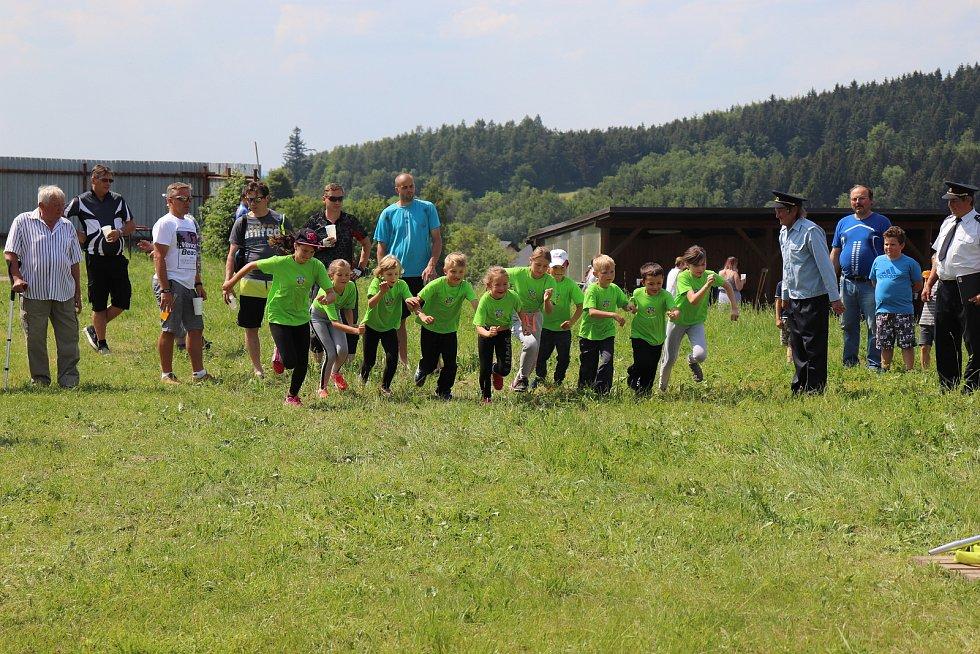 Mladí členové SDH Rozseč nad Kunštátem.