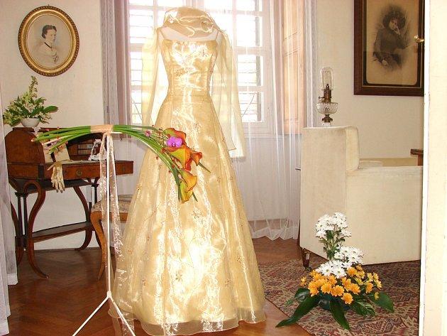 výstava svatebních šatů - Rájec - Jestřebí