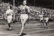 Olga Oldřichová rozená Šicnerová. Vítězný rozběh na sto metrů na Olympiádě v Londýně.