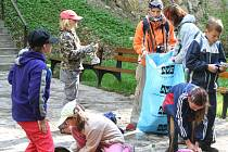 V sobotu zažil Moravský kras zase po roce generální úklid. Na Den Země se sjelo několik stovek dobrovníků, kteří sbírali odpadky.