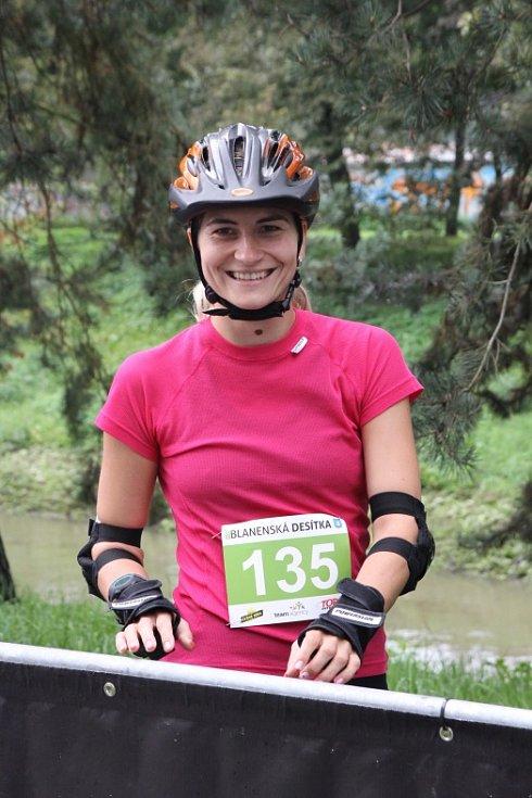 Blanenská desítka přilákala přes šest stovek závodníků, ti se utkali na tratích deset kilometrů a kratších na inlajnech, koloběžkách a v běhu.