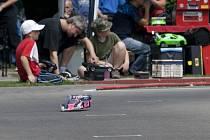 Závod Kyosho World Cup 2012, který se jel o víkendu v Blansku, zcela ovládli domácí závodníci. V závodech rádiem řízených modelů aut vyhráli Blanenští všechny tři soutěžní kategorie.