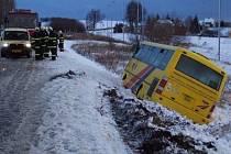 Dopravní nehoda autobusu. Ilustační foto