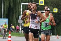 Blanenský běžec Jan Kohut při půlmaratonu Moravským krasem.