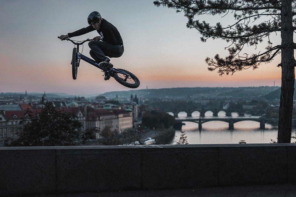 Biketrialista Václav Kolář se po roce těší na zahraniční závody.
