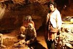 Prohlídku jeskyně Balcarky oživily pohádkové bytosti.