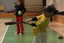Mladí baseballisté Olympie Blansko při turnaji v blanenské sportovní hale.