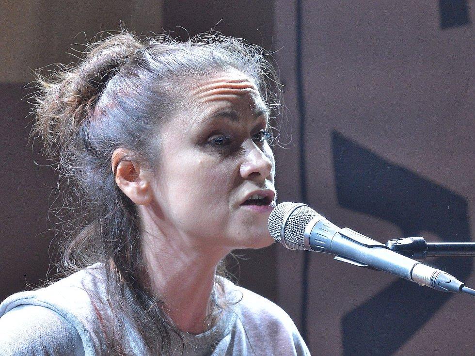 Lenka Dusilová na festivalu BiGy Fest v Letovicích.