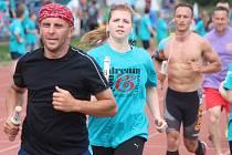 V Blansku běželi štafetu 24 hodin. A splnili přání deseti postiženým. Při You Dream We Run.