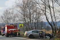 Předjíždění na silnici nedaleko Mladkova u Boskovic v pondělí odpoledne nezvládl šestatřicetiletý řidič Škody Superb.