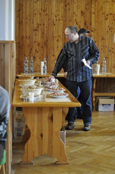 V Lipovci pořádali jedenáctý ročník koštu slivovice.