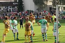 Fotbalisté Jedovnic porazili Rájec 2:0 a vedou tabulku.