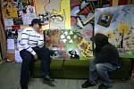 umělci v klubu PVC