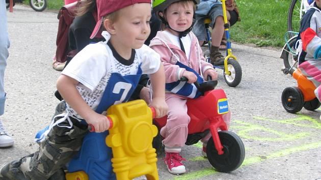 Občanské sdružení Za rozvoj města Rájce-Jestřebí uspořádalo v sobotu pro děti koloběžkové závody.