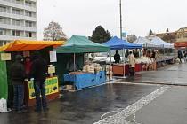 Ve čtvrtek se v Blansku na náměstí Republiky konaly první letošní farmářské trhy.