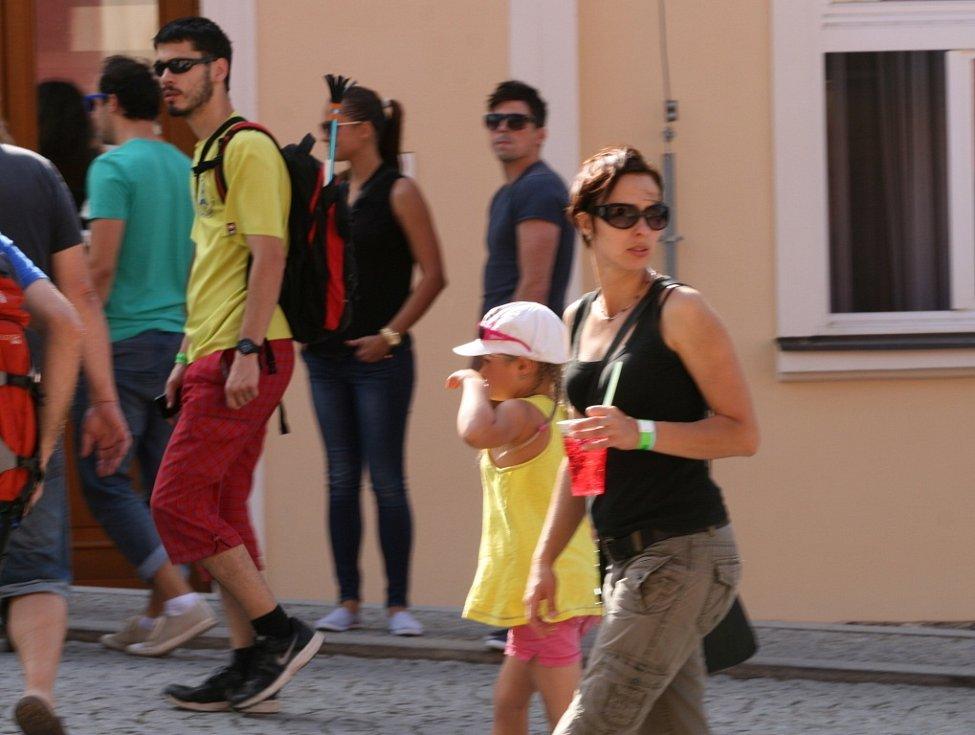Festival Boskovice 2014 ovládl na čtyři dny židovskou čtvrť a okolí. Publikum z celé republiky baví multižánrová akce už dvadvacet let.
