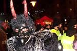 Centrum Blanska čelilo o sobotním podvečeru nájezdu krampusáků.