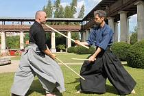 Návštěvníci lysického zámku viděli tradiční japonský šerm i malé divadlo kjógenu, tedy frašky.