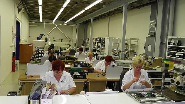 Tradiční podnik na výrobu elektrických měřících přístrojů založil vynálezce Erich Roučka v Blansku v roce 1911. A tyto přístroje vznikají vedle zakázkové výroby v podniku dodnes.