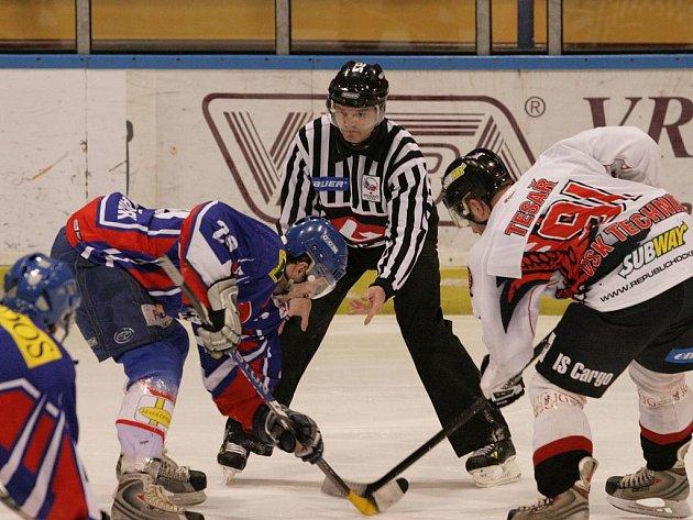 Hokejisté Techniky Blansko udolali ve druhé lize doma Nový Jičín. V zápase Blansko čtyřikrát vedlo, ale vyhrálo až po samostatných nájezdech.