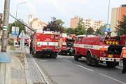Deset jednotek hasičů zasahovalo u požáru střechy v Boskovicích.