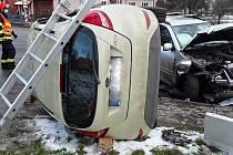 Ve Velkých Opatovicích se srazila dvě auta. Zraněné ženy skončily na chirurgii v boskovické nemocnici.